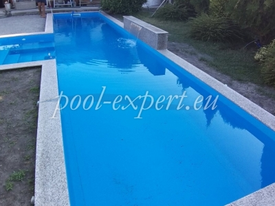 Reinforced pvc membrane for swimming pools